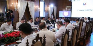 cabinet meeting palace