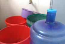 water cans supply tubig