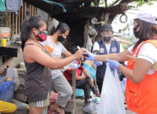 Residents people COVID masks TAGUIG City